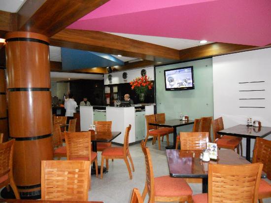 Hotel Palace: Restaurant 