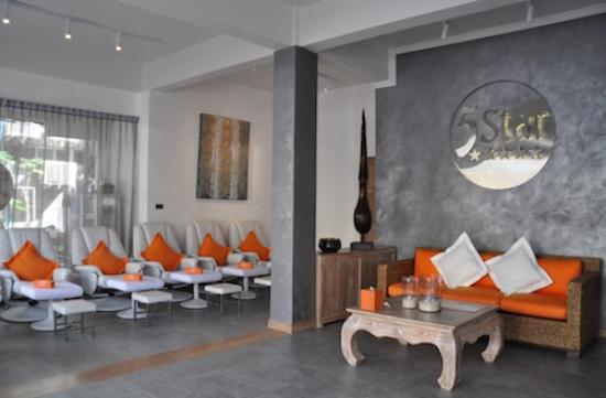 5 Star Massage : Foot + Entrance