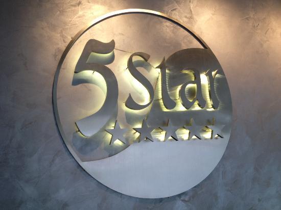 5 Star Massage: Logo