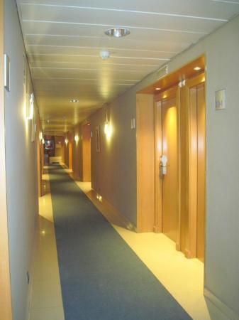 Attica 21 Barcelona Mar: couloir, 3ème étage