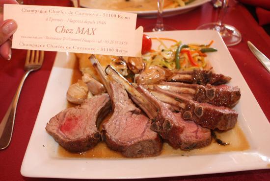 Restaurant Chez Max : carré d'agneau découpe