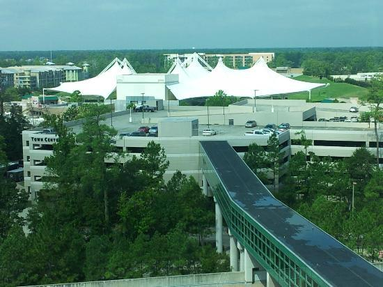 The Woodlands Waterway Marriott Hotel & Convention Center: View from room of the Pavilion