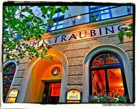 Photo of German Restaurant Wirtshaus Zum Straubinger at Blumenstraße 5, Munich 80331, Germany