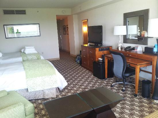 The Woodlands Waterway Marriott Hotel & Convention Center: View of room
