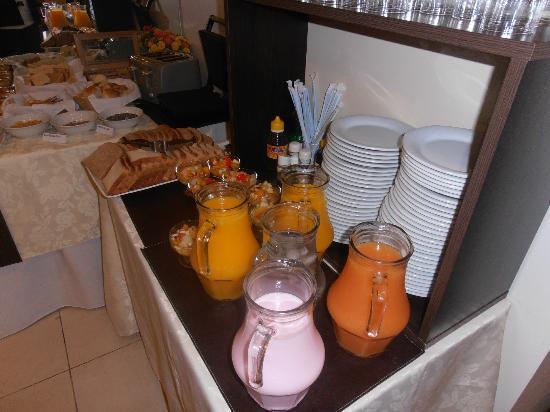 Europlaza Hotel & Suites: Café da manhã