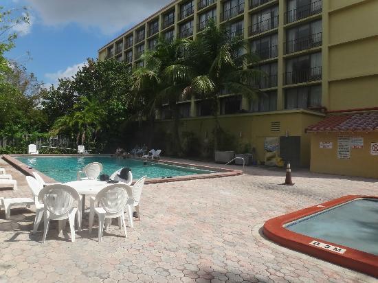 Rodeway Inn Miami : piscina