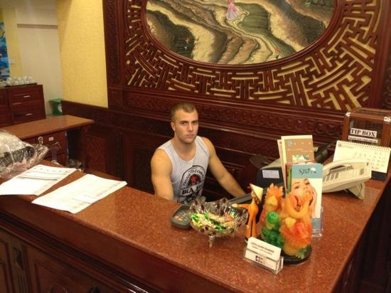 Little Hanoi Diamond Hotel: James working the front desk