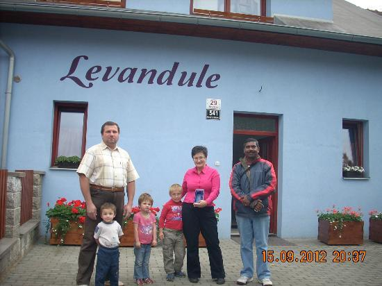 Levandule: The hosts Mrs Mariam, her husband and kids