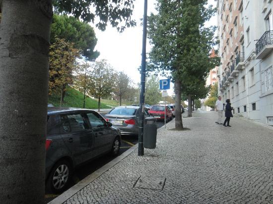Hotel Miraparque: Rua calma, larga e limpa