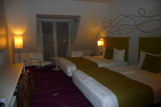 art'otel budapest: bedroom