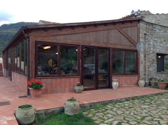 Masseria Rocca di Gonato: l'entrata della masseria