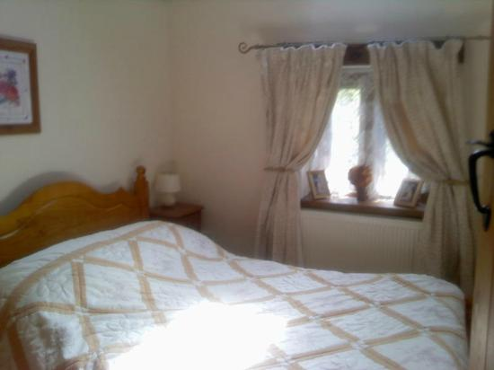 Usk Country Cottages: birch double