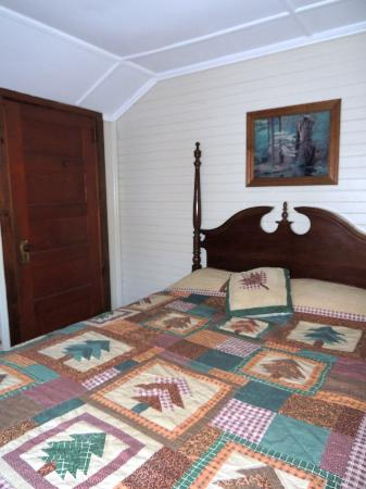Carroll Motel & Cottages: Room #1