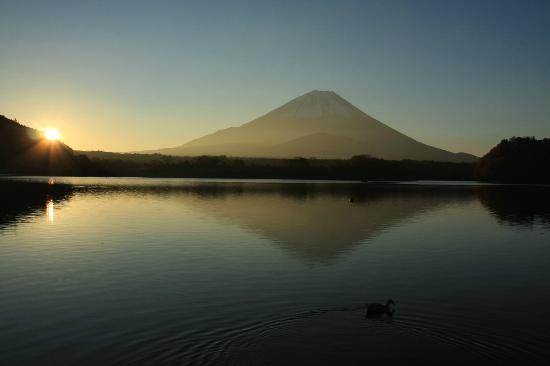 Lake Shoji : 精進湖の日の出-4