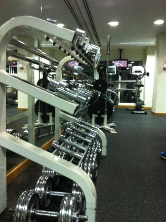 Crowne Plaza Abu Dhabi: Excellent gym facility