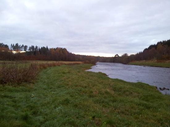 Aberdeenshire, UK: Upstream from Potarch
