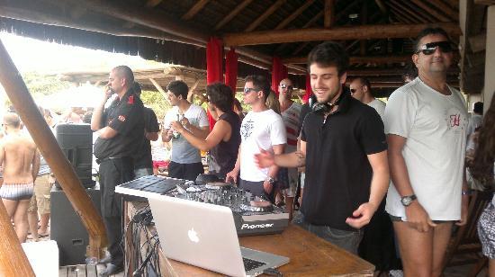 Taiko: DJ pertinho das mesas!