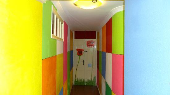 Shangri-Lagos Hostel: Room 2 Corridor