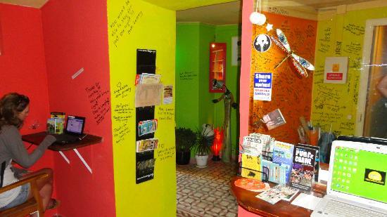 Shangri-Lagos Hostel: Reception