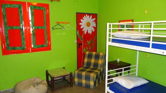 Shangri-Lagos Hostel: 3 Mix Room