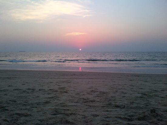 Candolim Beach: Sunset View