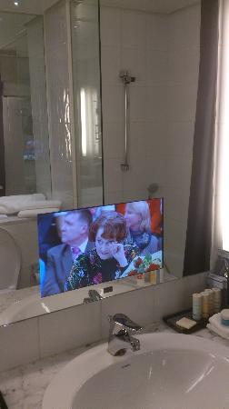 Radisson Blu Plaza Hotel, Helsinki: TV built into bathroom mirror