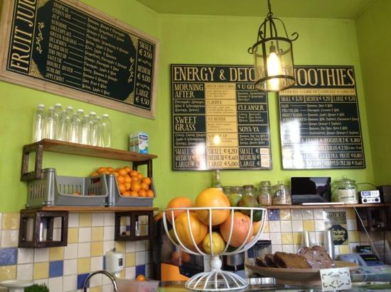 La Fruteria juice bar: inside the place