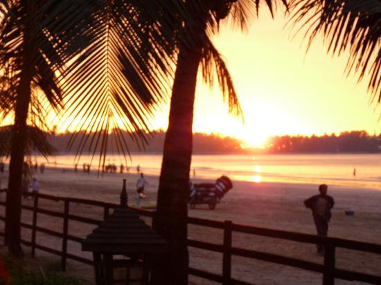 Chaungtha, Myanmar: Killer sunset over the beach.