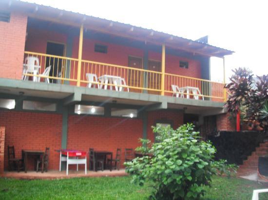 Hostel Park Iguazu: habitaciones vista desde le patio 