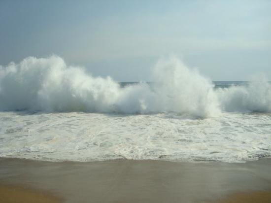 Manzanillo Bay: Amazing power.