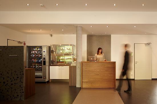 Hotel A2 GASTwerk: Lobby | Reception