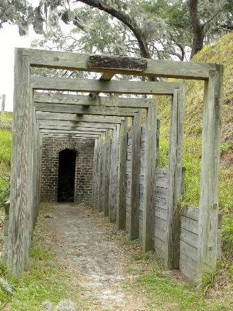 Fort McAllister State Park: Walkway
