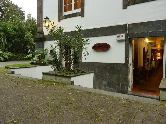 Residencial Casa do Jardim: Entrada da ''Casa do Jardim''