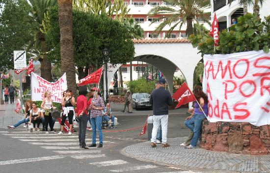 IFA Continental Hotel: National Strike Day - no busses & much saucepan banging