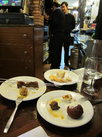 Cortijo de Pepe: lovely tapas and wine!