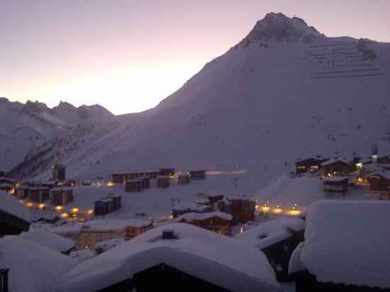 Hotel Les Suites du Montana : pause sur la terrasse en rentrant des pistes