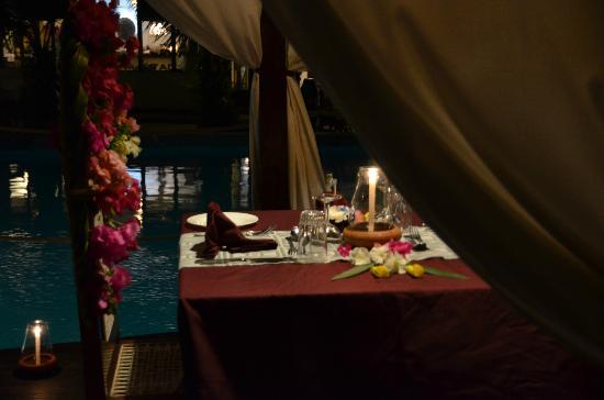 Jacaranda Beach Resort: cena
