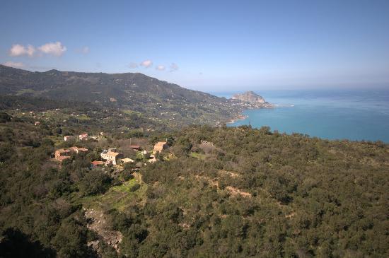 Centro di Educazione Ambientale Serra Guarneri: Serra Guarneri vista dall'alto