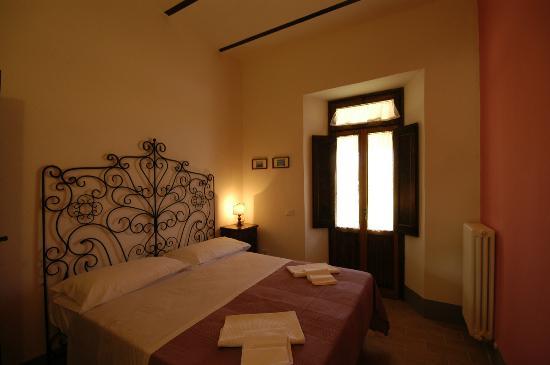 Camere da letto in stile marchigiano camelia picture - Camere da letto stile liberty ...
