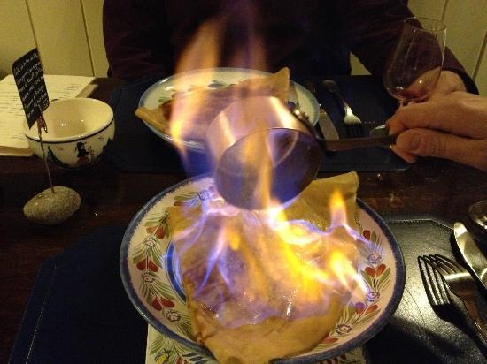 Creperie Ti Saozon : bannana and rum flambe crepe