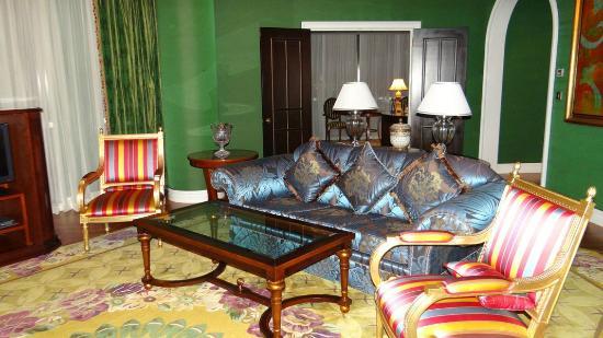 The Ritz-Carlton, Doha: Room style