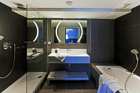 salle de bains - photo de radisson blu hotel, nantes, nantes ... - Salle De Bains Nantes