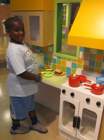 Mississippi Children's Museum: Becoming a master in our Little Cooks Kitchen