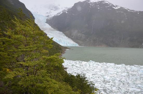 Hostal Dos Lagunas: Glaciar Serrano