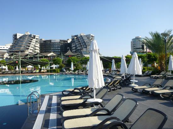Limak Lara De Luxe Hotel&Resort: piscine