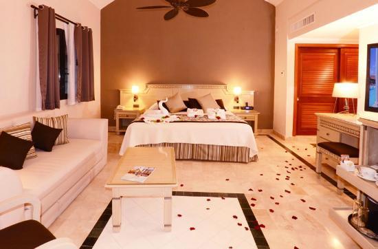 Grand Palladium Kantenah Resort and Spa: Mayan