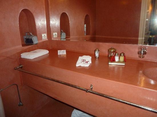 Riad Mirage: bath