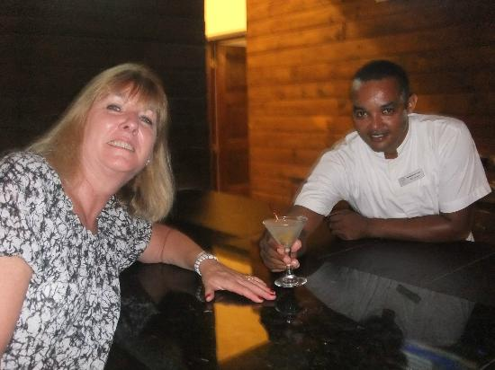 Sivory Punta Cana Boutique Hotel: Our professional bartender who knew what we drank