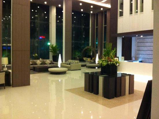 Classic Kameo Hotel & Serviced Apartments, Rayong: 開放感のあるロビー