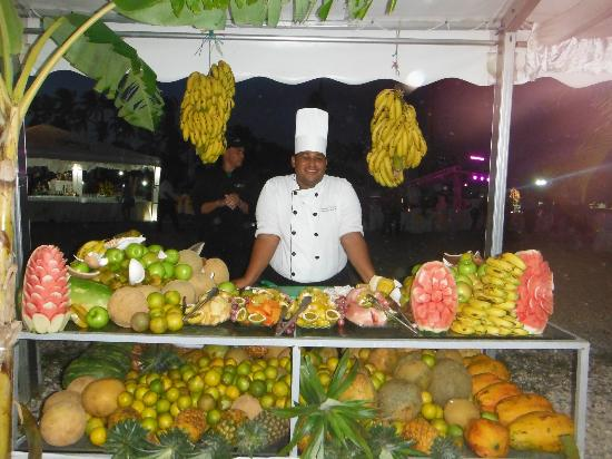 The Tropical at Lifestyle Holidays Vacation Resort: Welcome Party Buffet